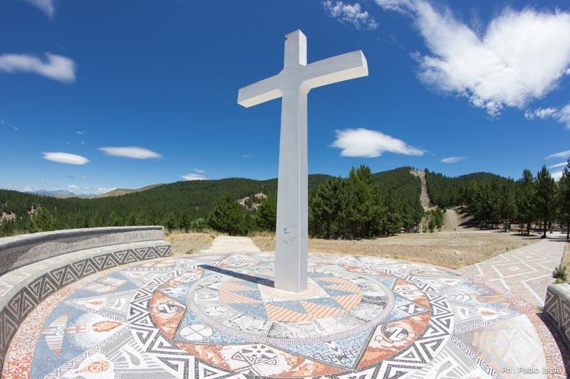 La Cruz Blanca Vía Christi